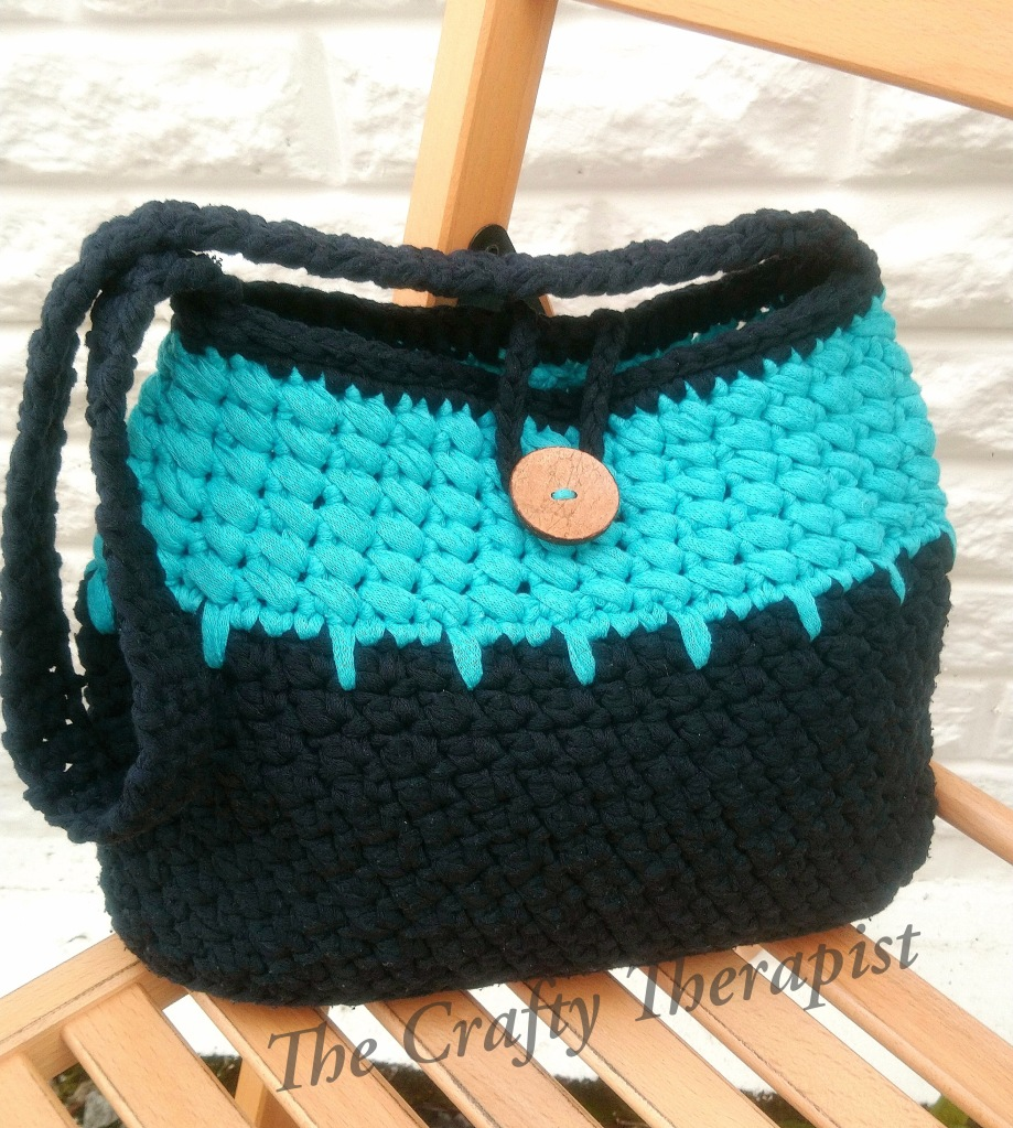 Totally Textured Tote bag crochet bag pattern by The Crafty Therapist