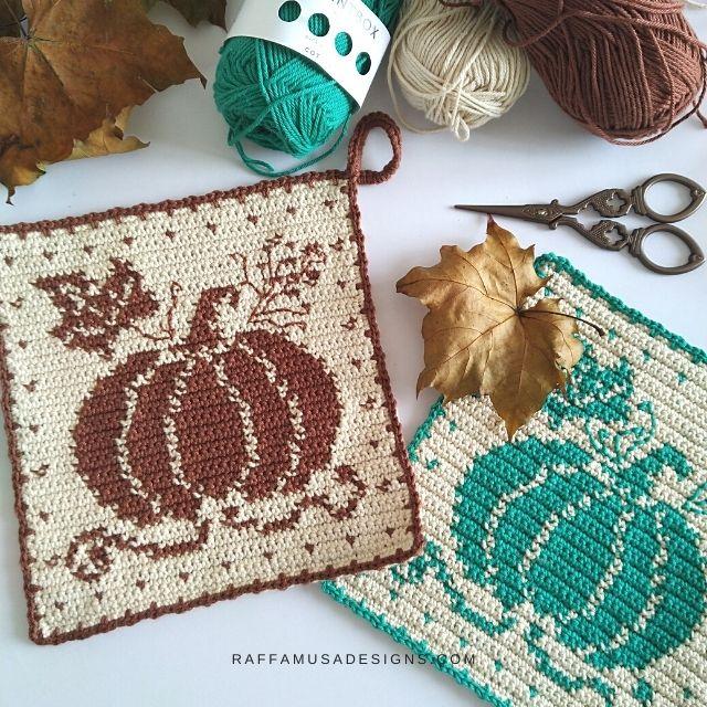 Pumpkin potholder crochet pattern by Raffamusa Designs - Free pattern Friday featured pattern on The Crafty Therapist.